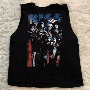 28c62fb7533aa0 Women s Kiss Tank Top Forever 21 on Poshmark